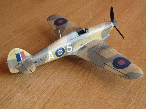 Hasegawa 1/48 Hawker Hurricane IIB paint chipping