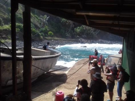 Launching the Pitcairn longboat (1)