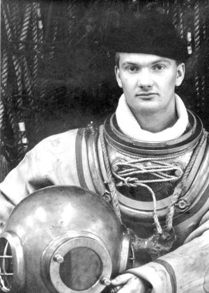 Ginge Fullen in historical diving gear