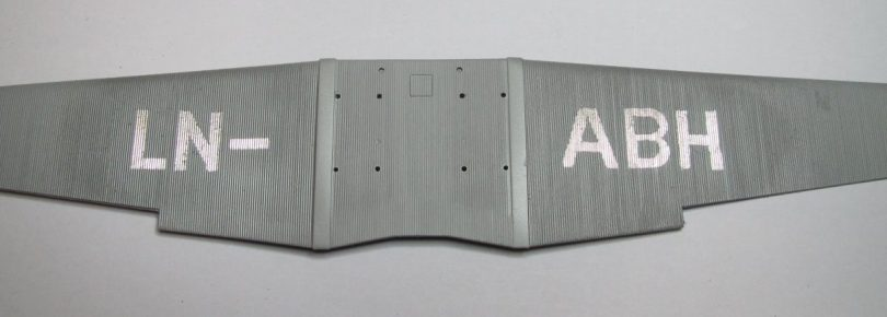 Revell 1/72 Junkers F13 lower wing masked