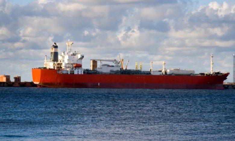 Ataque a buque iraní dispara el precio del petróleo 1