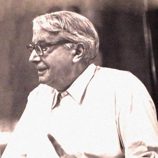 Charles Munch and The Boston Symphony rehearse Bruckner's 7th this week.