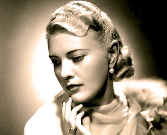 Helen Jepson - added a dash of Hollywood glamor to the Met.