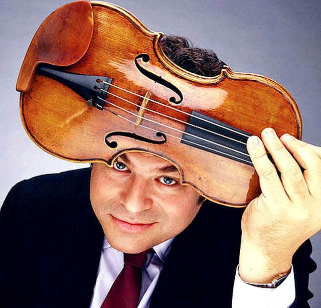 Itzhak Perlman - The man behind the fiddle.