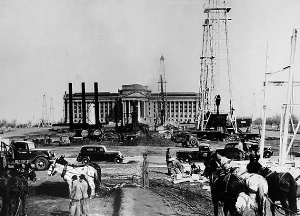 Oklahoma City Oil Field, State Capital Building, Ok, 1920s