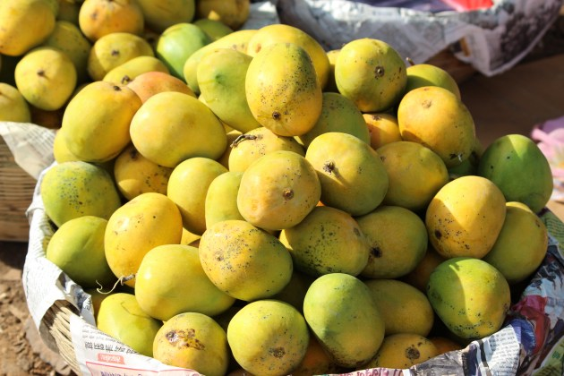 These mangoes look tempting, don't they?