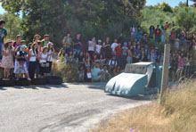 Alunos da Escola de S. Miguel correram em         carrinhos de rolamentos