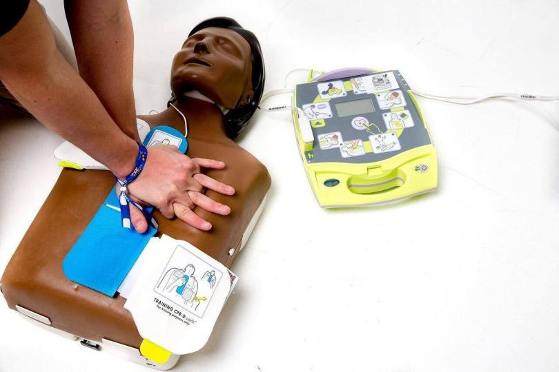 Defibrillator 3406702 1920