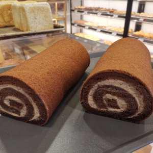 Oishi Pan Bakery Singapore - Best Chocolate Swiss Roll