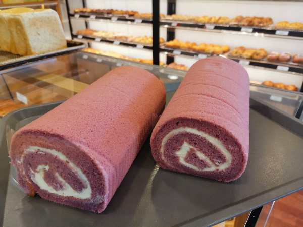 Oishi Pan Bakery Singapore - Best Red Velvet Swiss Roll