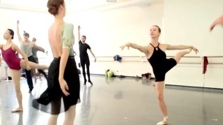 Aula da companhia do American Ballet