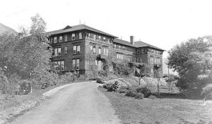The Foothills Hotel, completed 1903, burned in fire of 1917.