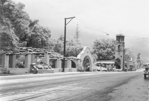 The pergola with fountain in snow, January 1949.