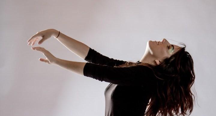 LANÇAMENTO: Ouça o novo single de Laura Petit