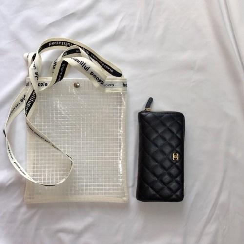 サコッシュバッグと財布