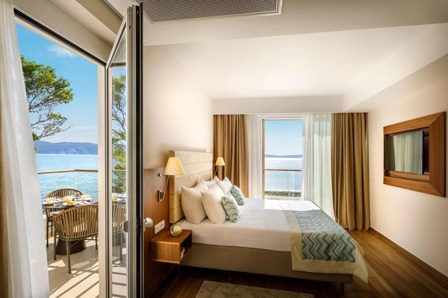 girandella-villa-junior-suite-seaview-parkview-new-01
