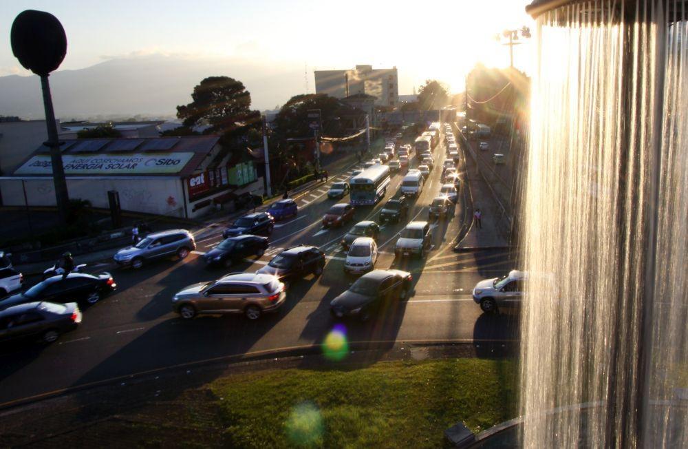 El transporte en Costa Rica consume la mayor parte de energía, casi en su totalidad combustibles fósiles.