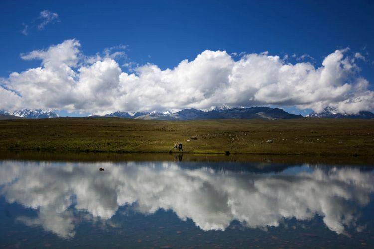 Una práctica ancestral que combate el cambio climático La tradición inca revive para cosechar agua en los Andes