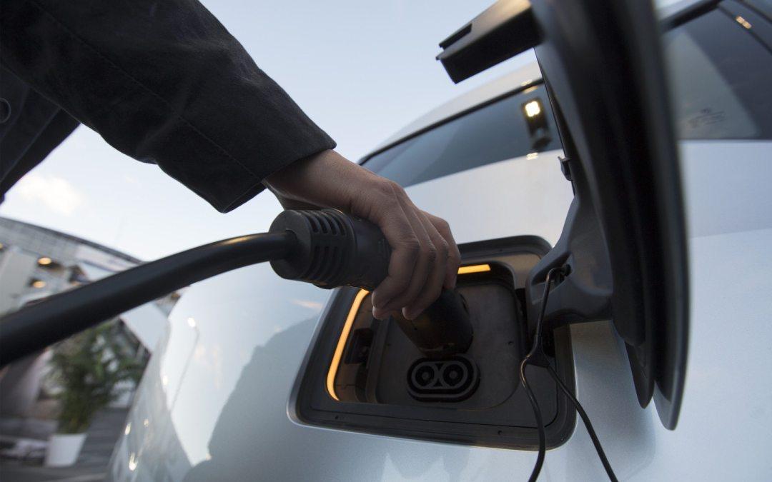 Exoneración de vehículos eléctricos: una propuesta para mejorar el proyecto legislativo