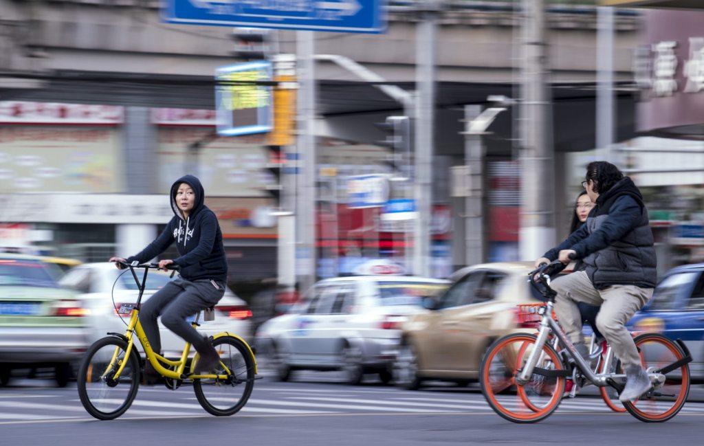 Las bicicletas compartidas están renovando la pasión china por los pedales.