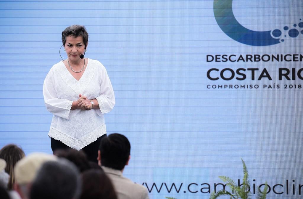 """Christiana Figueres: """"Tatica Dios nunca nos dio combustibles fósiles y hoy decimos 'gracias'"""""""