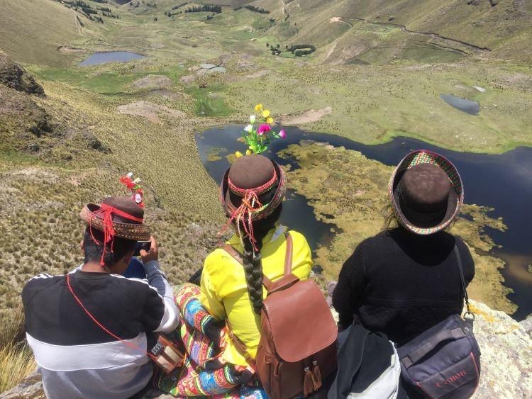 """La """"crianza"""" del agua acabó con la sequía en Los Andes del Perú"""