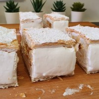 Milhojas de merengue