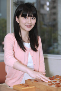 香川愛生女流三段(将棋棋士)プロフィール!身長や高校や血液型とは?