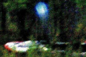 パブロフによる写真。光球は直径20センチほどで、いくつも現れては小爆発のような効果を見せた。画像出典:Tfm Portal
