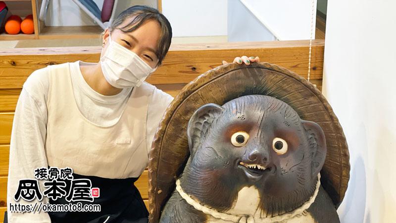 タヌキは岡本屋のシンボルです!