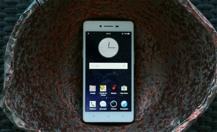 Smartphone Oppo R7