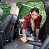 車のシートの臭いや汚れ落とし|自分で徹底的に綺麗にする方法と業者費用の比較まで