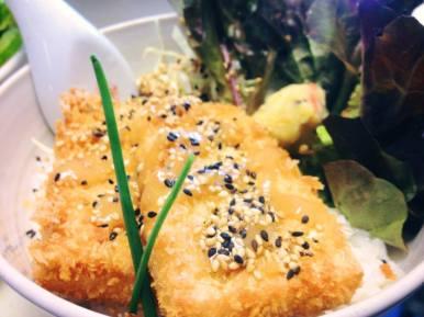 mittagstisch // vegetarisch // tofu furai don // tofuschnitzel