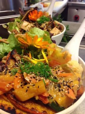 mittagstisch vegetarisch // kabocha don // gemüsecurry mit kürbis