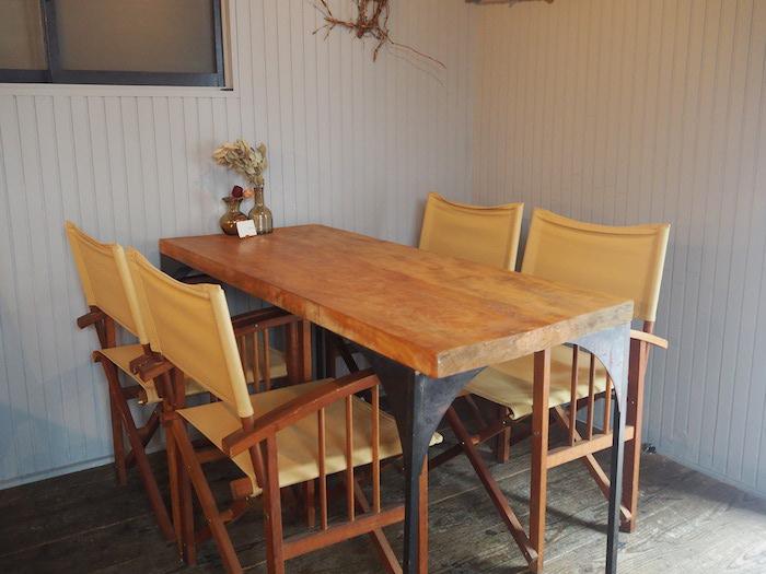 【橙】テーブル席