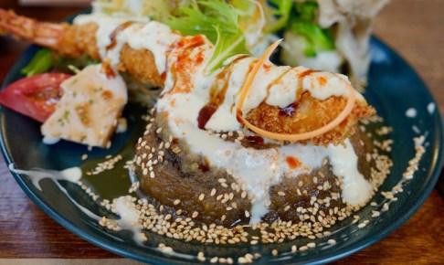 【洋食コルメ】ハンバーグとエビフライ
