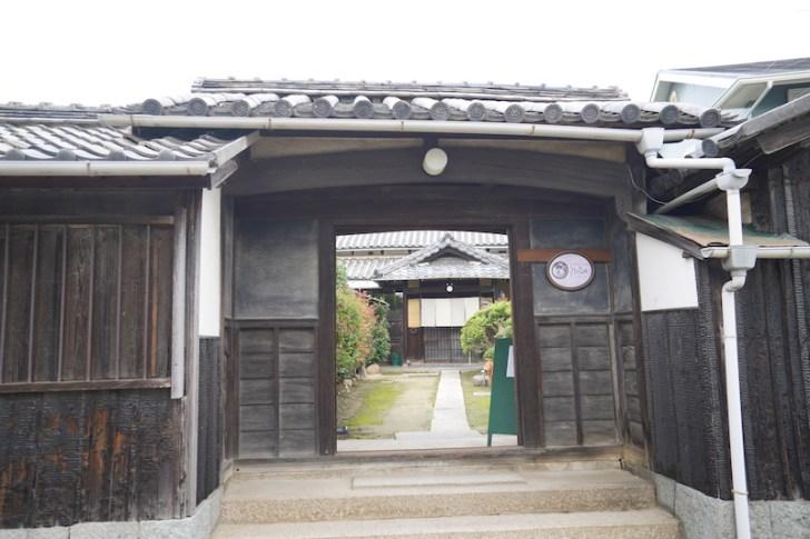 【nobu】入り口の門