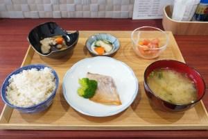 【ぽん太】定食全体の写真