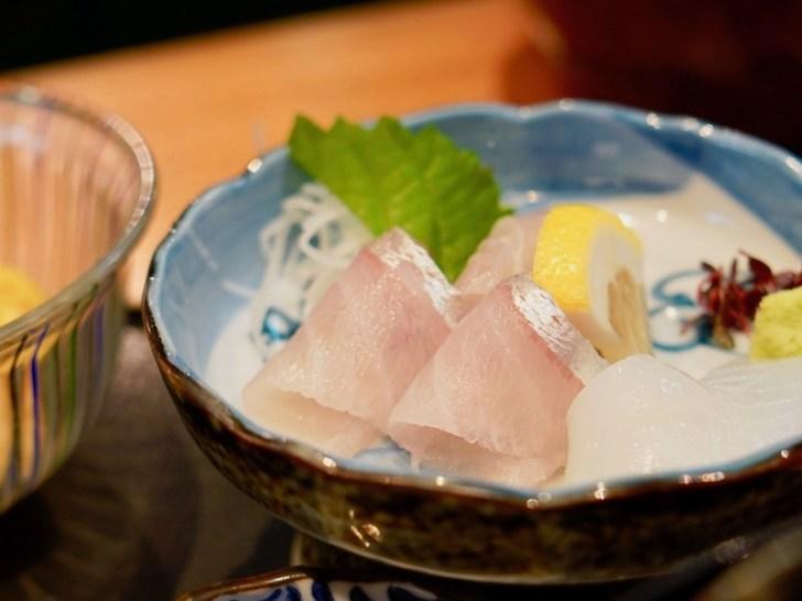 【割烹 清水】お刺身の鯛とイカ