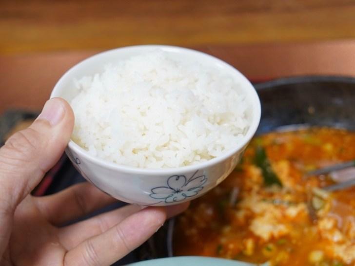 【びびん亭】セットの白いご飯