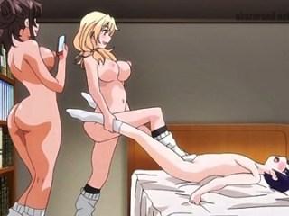 【おねショタ】ギャルお姉ちゃんたちがショタの包茎チ〇ポを弄ぶ!