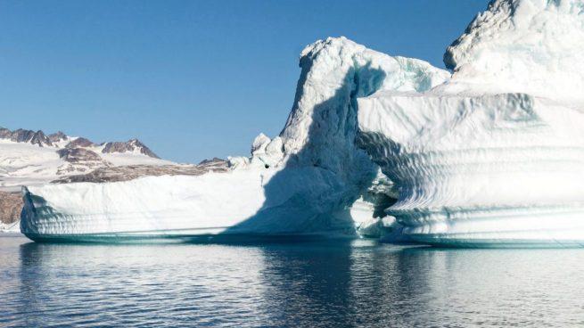 Cazadores de icebergs, una moda tan innovadora como absurda