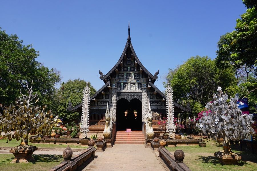 Wat Lok Molee in Chiang Mai is one of many buddhist temples to visit in this northern Thailand city.