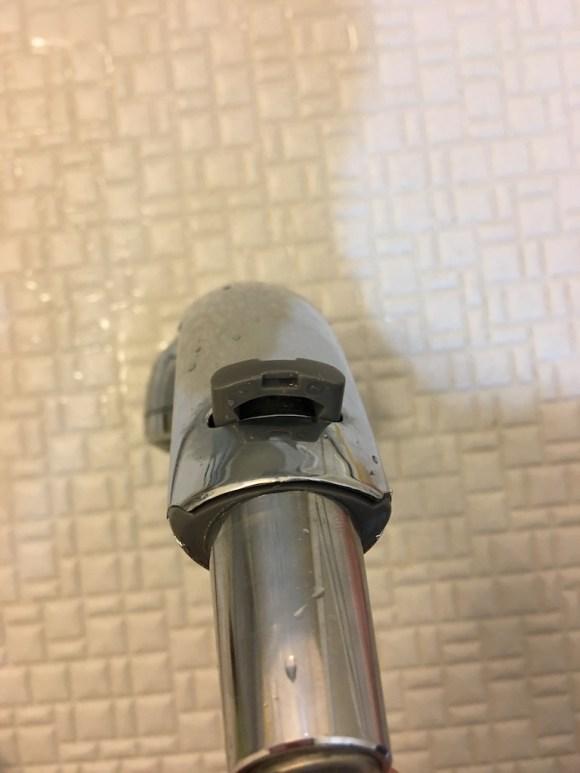 シャワーヘッドとホースの固定器具