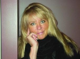 Debbie Mason CREDIT 637827