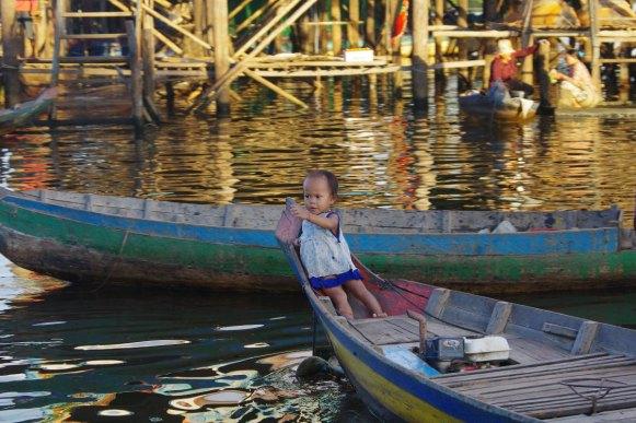 Kampong Phluk, dzieci w Kambodży