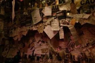 Sagada, wnętrze knajpki, gdzieś tam jest też moja kartka :)