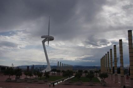 Barcelona, kolumny nieopodal stadionu olimpijskiego