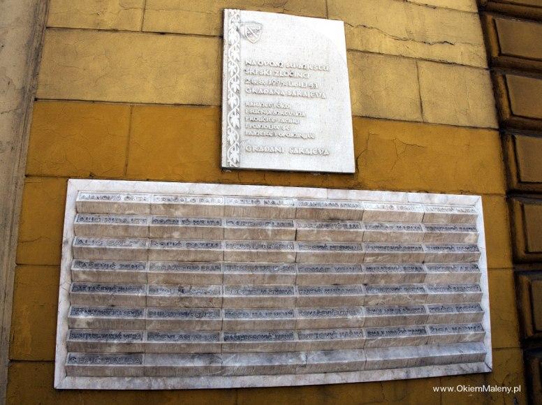 tablica pamiątkowa z nazwiskami ofiar