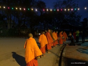 poranna procesja mnichów